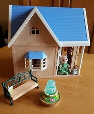Sylvanian families Bramble Cottage with lots of extras