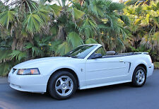 Ford : Mustang 2dr Delux