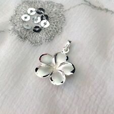 NEW 925 STERLING SILVER PRETTY FLOWER DESIGN PENDANT BRUSHED SILVER CENTRE