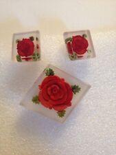 VINTAGE PLASTIC LUCITE  HANDCARVED RED ROSE BROOCH & EARRING SET(D122)