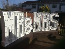Giant 4ft Mr & Mrs RETE alimentata (LETTERE D'AMORE)