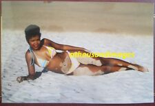 1980s Real Photo/Sexy Skinny Black Woman On Her Side In Bikini At The Beach T116