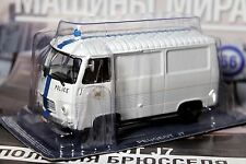 1:43 PEUGEOT J7 Brussels Police cars of the world + Magazine #66