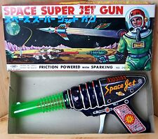 60s Japan Yoshiya Toys BOXED TINPLATE FRICTION SPARK SPACE RAY GUN Working Order