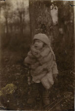 PHOTO ANCIENNE - VINTAGE SNAPSHOT - ENFANT MODE MANTEAU FOURRURE - CHILD FASHION