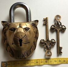 STUNNING LION HEAD BRASS AND STEEL LOCK,LOCKABLE WITH TWO KEYS.EXCELLENT.
