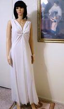 LUCIE ANN Soft Nylon vintage KEYHOLE Grecian Nightgown PURE WHITE size M medium