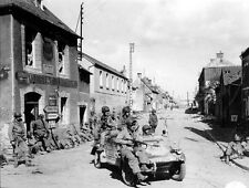 8 x 10 B&W WWII Photo US Soldiers Carentan Normandy Schwimmagen  WW2 / 1003 8X10