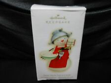 """Hallmark Keepsake """"Snow Much Fun To Cook"""" 2009 Ornament NEW"""