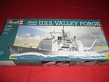 REVELL® 05047 1:350 MISSILE CRUISER U.S.S. VALLEY FORGE NEU OVP