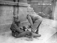 WWII Photo Wounded German US Soldier  WW2 / 2102