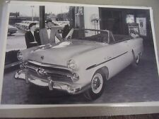 1952 FORD CONVERTIBLE IN SHOW ROOM    12 X 18 LARGE PICTURE / PHOTO