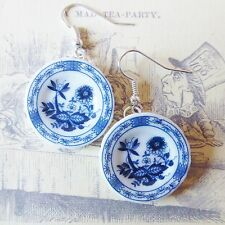 aLiCe In WoNdErLaNd WHITE BLUE DELFT CHINA TEA SET PLATES SILVER DROP EARRINGS