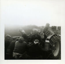 PHOTO ANCIENNE - VINTAGE SNAPSHOT - TRACTEUR AGRICULTURE PAYSAN TRAVAIL -TRACTOR