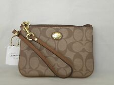 NWT COACH F50142 Khaki/Brown Peyton Signature Small Wristlet