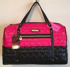 BETSEY JOHNSON WEEKENDER BE MINE QUILTED HEARTS FUCHSIA BLACK DUFFLE BAG NWT