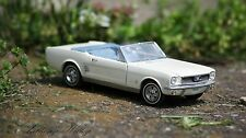 1966 FORD MUSTANG WHITE CONVERTIBLE WHITE DANBURY MINT DIECAST 1:24