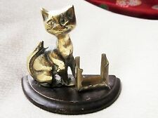 RARE VINTAGE COLLECTABLE SOLID BRASS CAT AND MATCHBOX HOLDER ON WOODEN PLINTH
