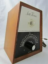 Seth Thomas Electronic Metronome E962-000 w/ Light Works Wood Case