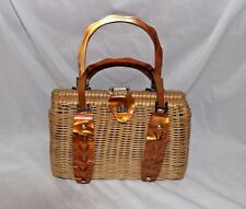 VINTAGE WICKER STRAW BOX PURSE LUCITE TORTOISE SHELL HANDLE DETAIL PEARLIZED