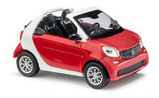 Busch Smart 50778 HO (1/87): Fortwo 2015 Cabrio CMD rood/wit