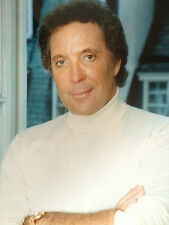 TOM JONES - CHART TOPPING SUPERSTAR  - SUPER COLOUR PHOTOGRAPH