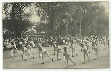 Turnen Turner mit Stöcken Turnfest grosse Teilnehmerzahl Foto-AK um 1910
