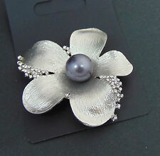 UNUSUAL PEWTER COLOURED FLOWER WITH DIAMANTE STONE METAL STYLE STATEMENT BROOCH