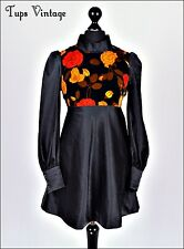 VINTAGE 60s BLACK VELVET ROSE PRINT MINI MOD SHIFT DRESS BELL SLEEVE 10