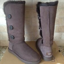 UGG BAILEY BUTTON TRIPLET TRIPLE CHOCOLATE BROWN BOOTS US 8 WOMENS 1873