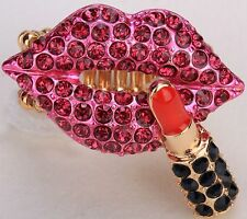 Rose Pink Lips w/ Lipstick Stretch Ring Crystal Rhinestone Fashion Jewelry RD50