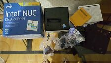 Intel DN2820FYKH NUC win 10 pro 150gb hdd.