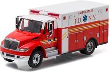 Greenlight 33070-C 2013 International Durastar Ambulance FDNY 1:64 Scale Diecast