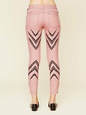 FREE PEOPLE Anthropologie Pink Dotted Ikat Skinny Slim Denim Jeans 5-Pocket 28