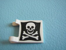 LEGO 2335p30 @@ Flag 2 x 2 Square with Skull and Crossbones (Jolly Roger) BROKEN