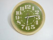 VINTAGE SUNBEAM 1970'S ELECTRIC GREEN KITCHEN WALL CLOCK WORKS 81-252