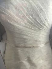 Ivory White by Vera Wang Size 2 Wedding dress