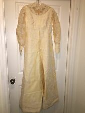 BEAUTIFUL VINTAGE MAURER WEDDING DRESS GOWN OFF WHITE W/TRAIN CA 1960s
