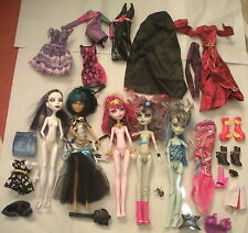 Lot 5 MONSTER HIGH Dolls & Assorted Clothing, etc.