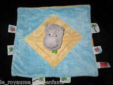 Doudou carré Hippopotame gris bleu jaune étiquettes Palmier cadeau Cora Influx