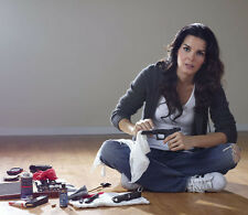 Angie Harmon UNSIGNED photo - H663 - BEAUTIFUL!!!!!
