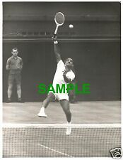 ORIGINAL PRESS PHOTO WIMBLEDON 1962 INDIA TENNIS STAR NARESH KUMAR v ROD LAVER