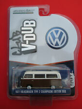 GREENLIGHT CLUB V-DUB 1977 VOLKSWAGEN TYPE 2 CHAMPAGNE EDITION BUS 1: 64 SCALE