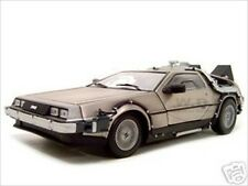 BACK TO THE FUTURE 1 DE LOREAN 1:18 DIECAST MODEL CAR BY SUNSTAR 2711