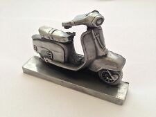 VESPA SCOOTER PELTRO effetto 1.43 scala PEN HOLDER MADE IN SHEFFIELD