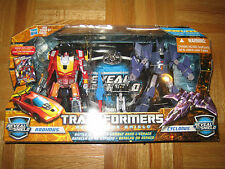 Transformers REVEAL THE SHIELD  BATTLE IN SPACE RODIMUS VS. CYCLONUS MISB