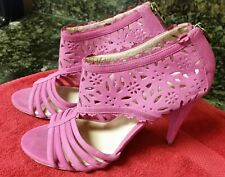 Magenta/Pink Pour La Victoire Shoes Sz 8.5 With Laser Cutouts leather back zip.