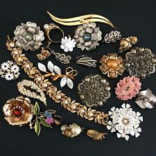 Vintage Flower & Leaf Broken Jewelry Lot Parts Harvest Repair Misc Some Signed