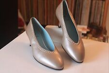 Thierry Rabotin 38.5 Beige Metallic 2 Inch Heel Pumps Size 8 Made In Italy