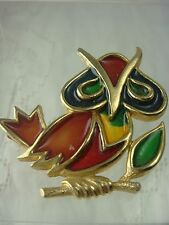 VINTAGE 1970'S PLIQUE A JOUR RESIN GOLD TONE STAINED GLASS STYLE OWL PIN BROOCH